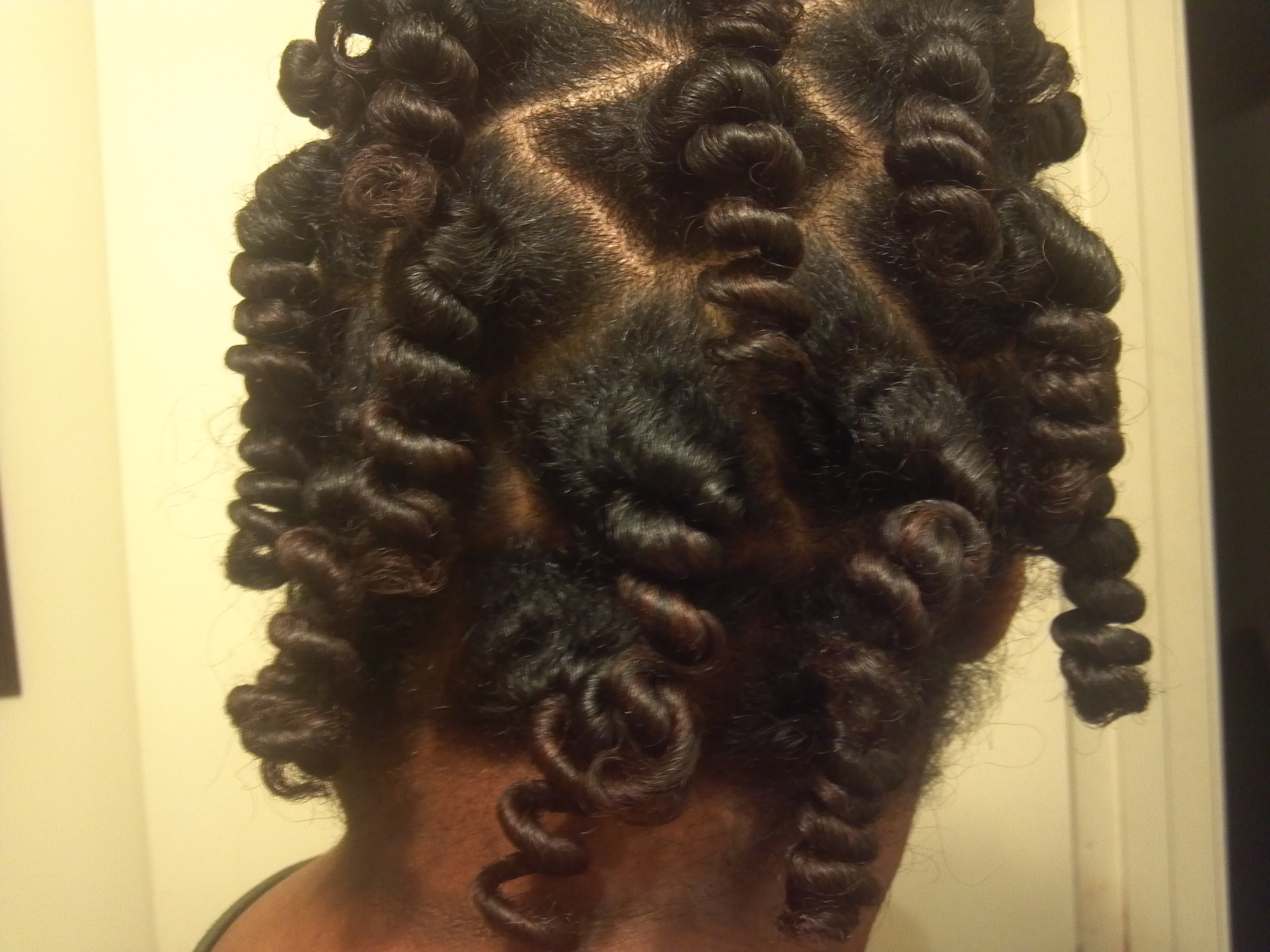Tips on Creating the Perfect Bantu Knot Out